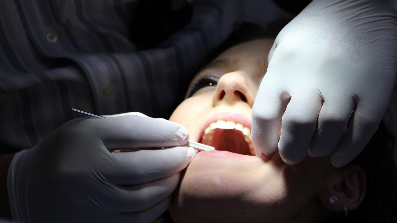 Pulizia dei denti: perché farla con regolarità
